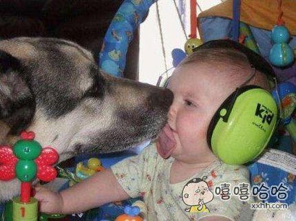 孩子,亲一个