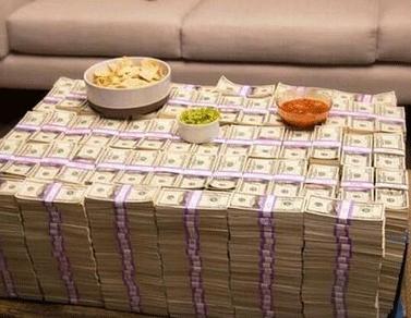看来朋友今年是真赚钱了啊